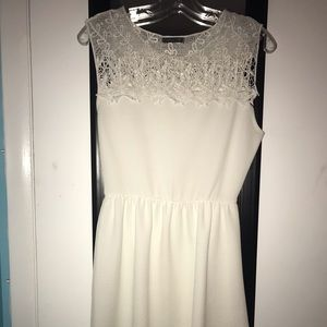 New white dress with lace! Worn once. Size M.